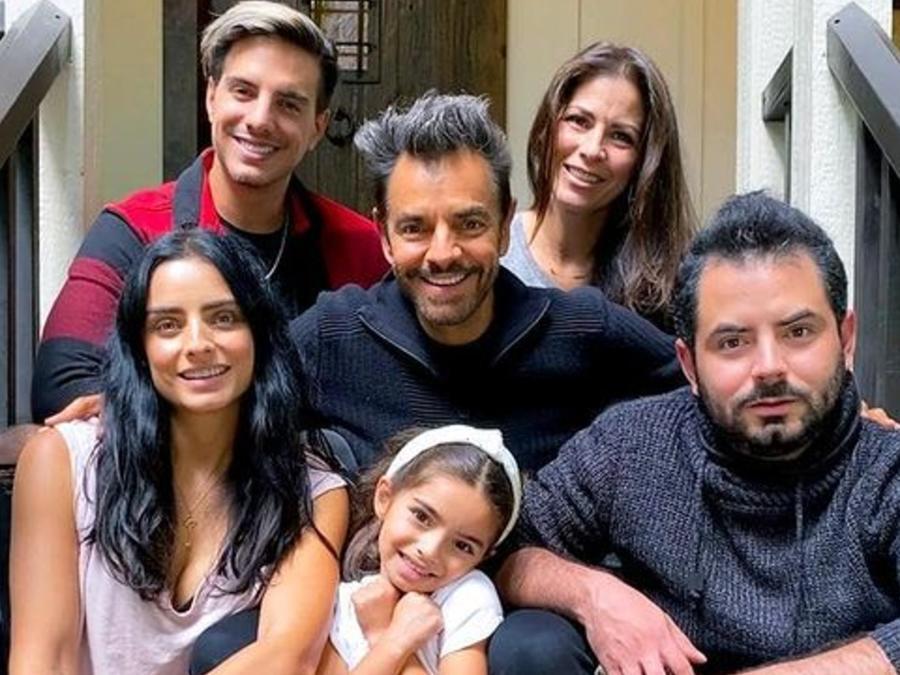 Eugenio Derbez, Aislinn, Vadhir, José Eduardo, Aitana y Alessandra Rosaldo