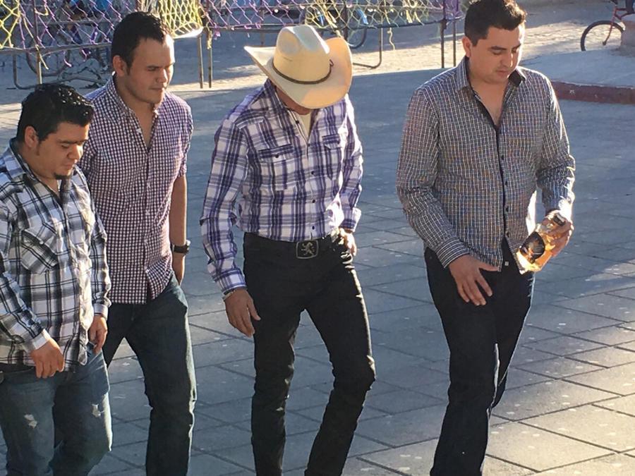 """Grabación """"Dos botellas"""" de Banda Cuisillos"""