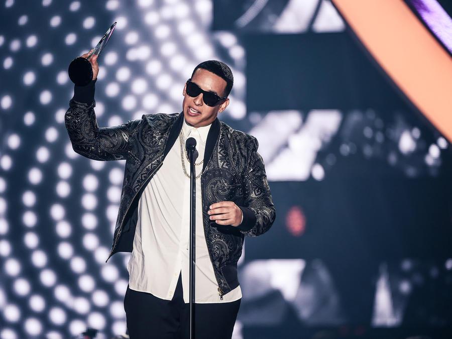 Daddy Yankee recibe reconocimiento en Premios Billboard 2016