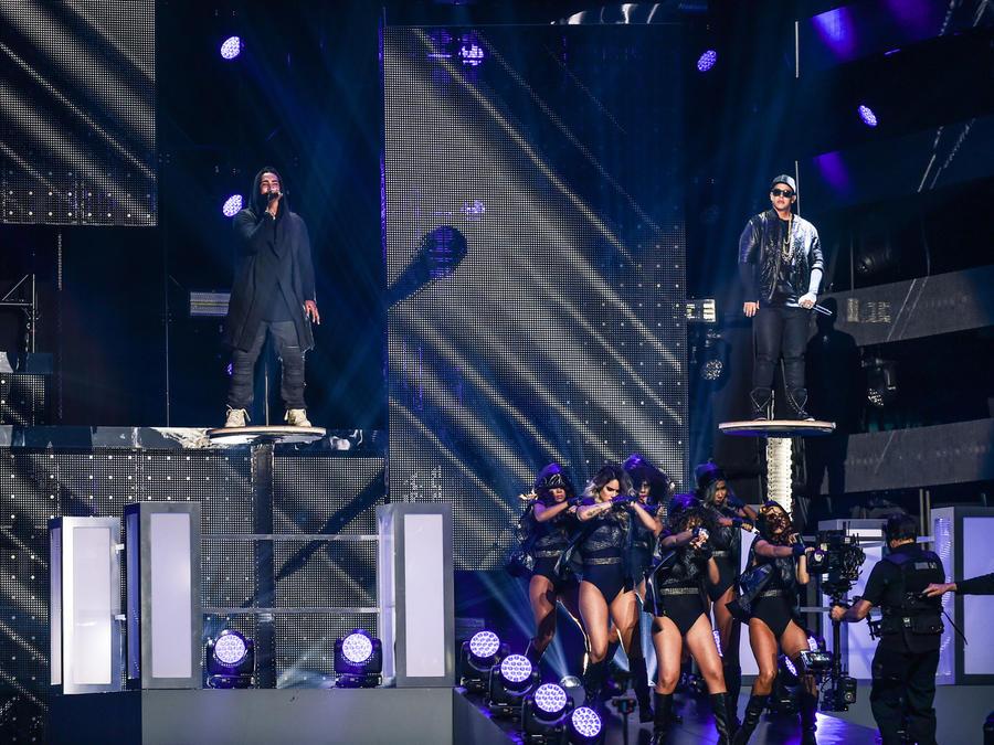 Don Omar y Daddy Yankee en Premios Billboard 2016