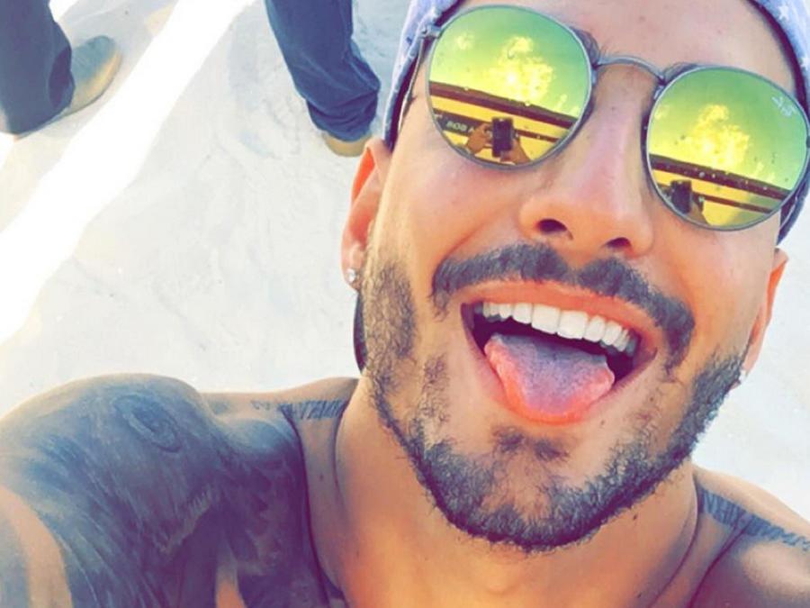 Maluma presume sus vacaciones con una selfie