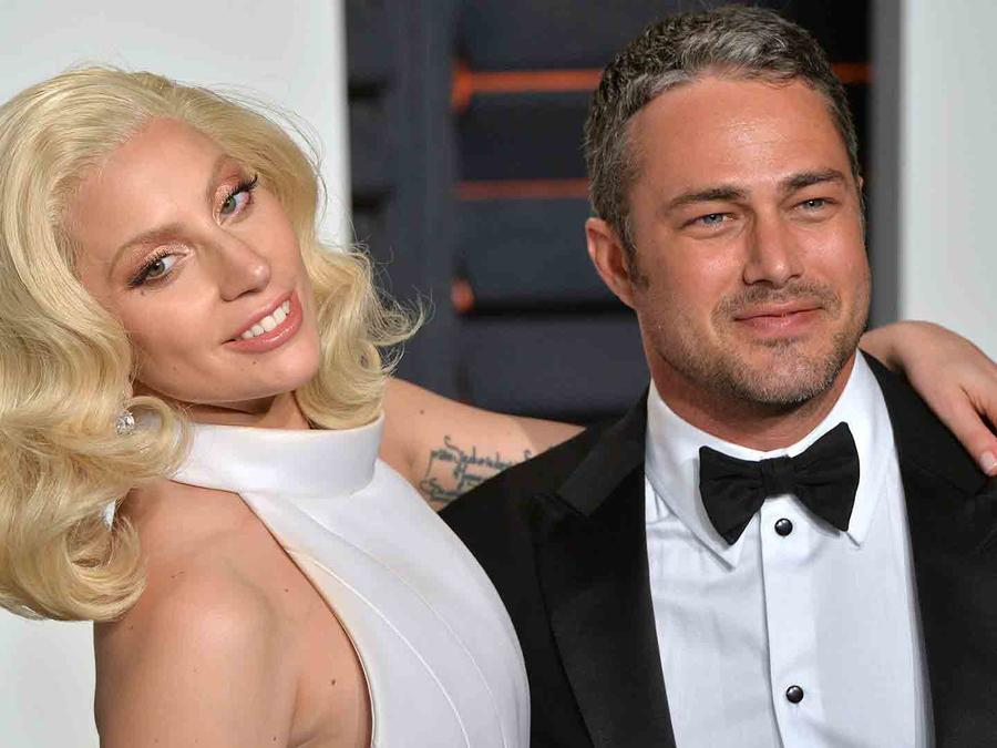 Lady Gaga y Taylor Kinney en Vanity Fair Oscar Party 2016