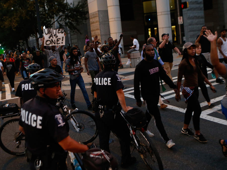 Continúan las protestas contra la violencia policial