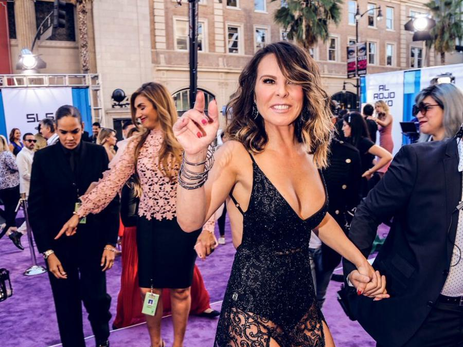 Kate del Castillo - Alfombra Morada Latin American Music Awards 2016