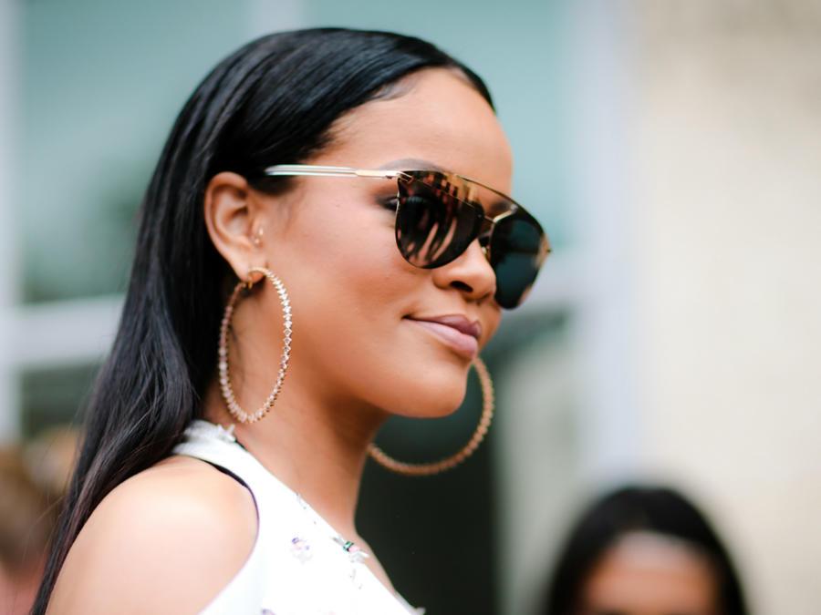 Rihanna en el show de Dior en Paris, Francia.