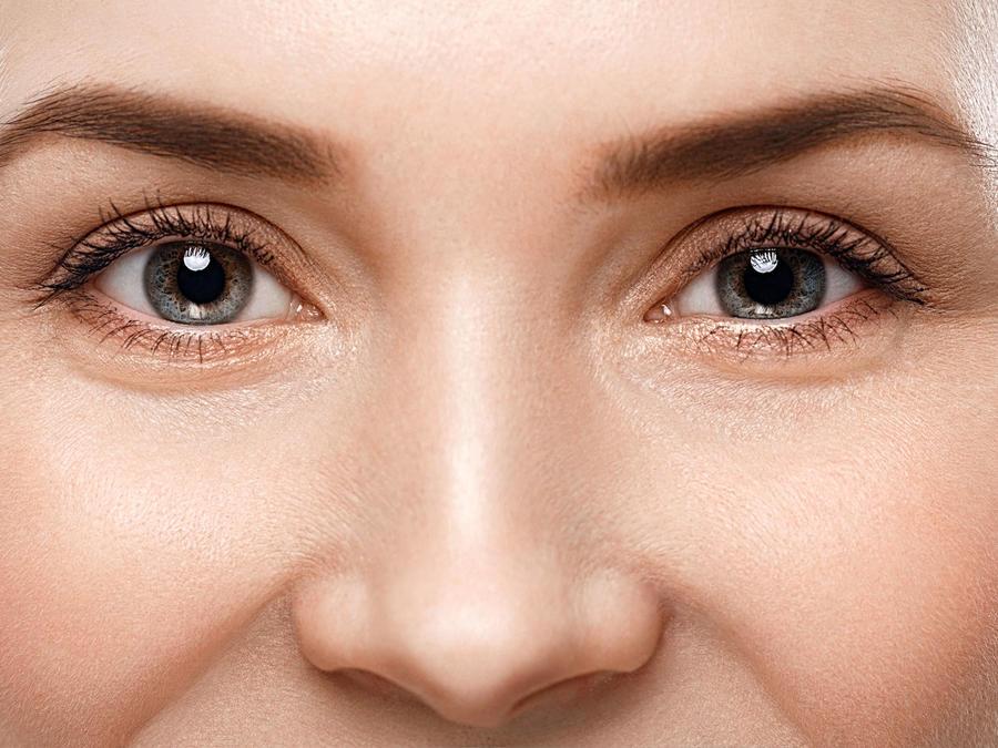 Acercamiento a los ojos de una mujer