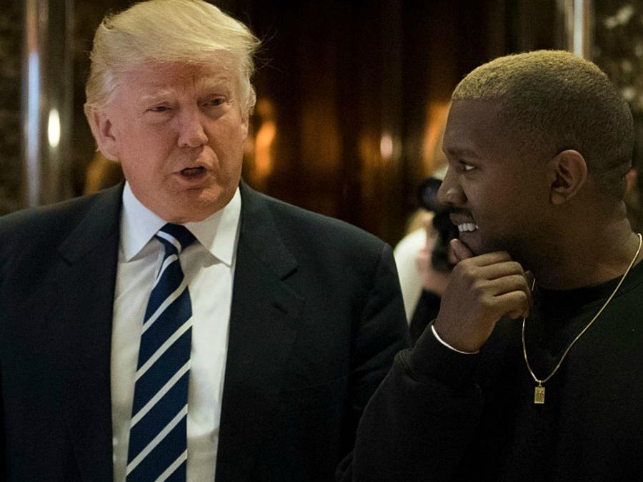 Collage: Kanye West y Donald Trum en la Tower Trump platicando.