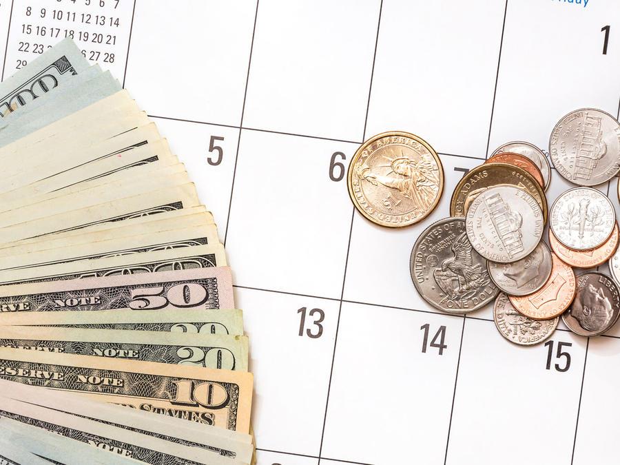 Dinero y calendario