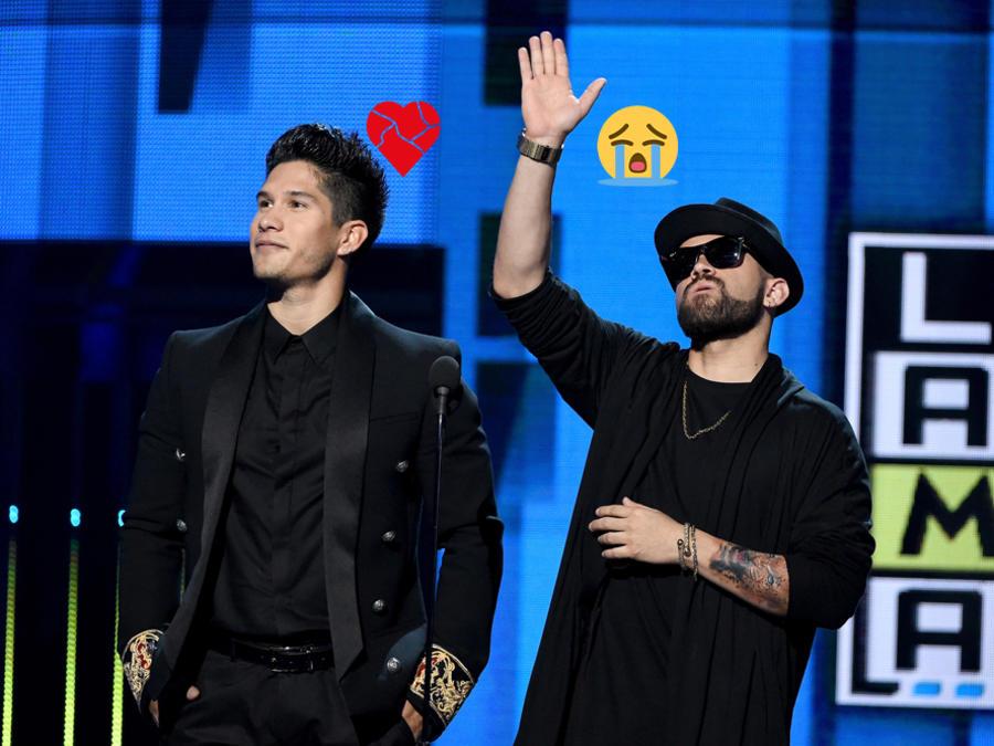 Chino y Nacho agradecen en el escenario de los Latin AMA's 2015