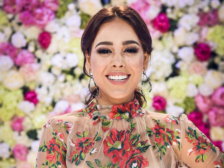 Danna Paola - Alfombra Roja Premios Billboard 2017