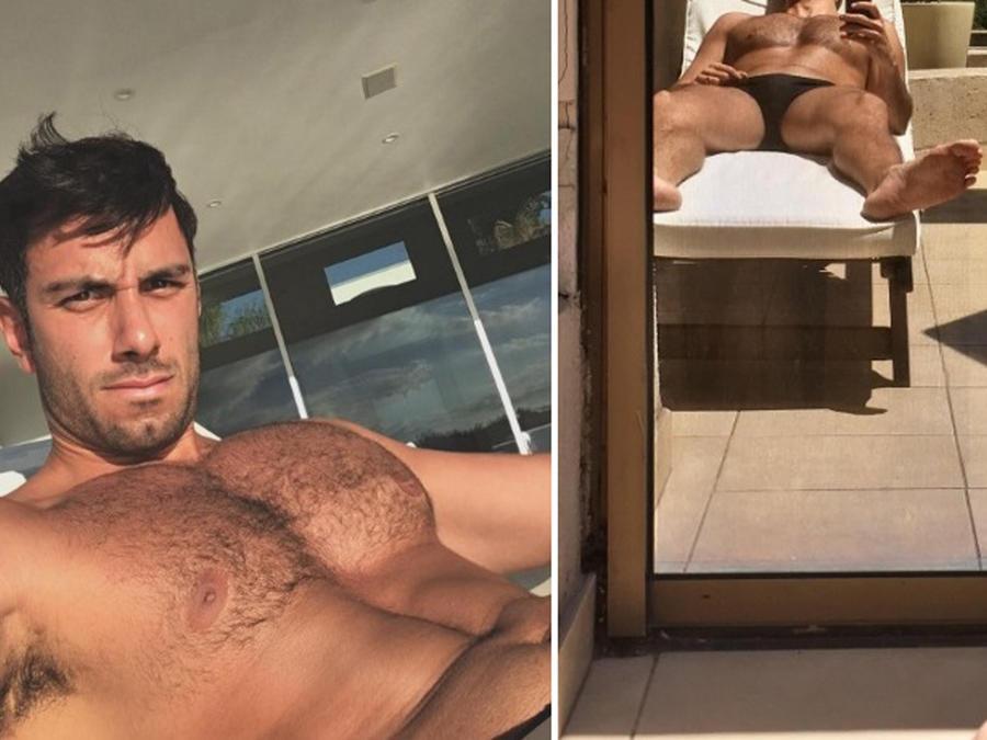Jwan Yosef tomándose selfies frente al espejo