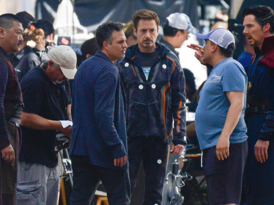 Los actoresCumberbatch, Downey Jr. yRuffaloprestaron mucha atención a todas lasindicaciones