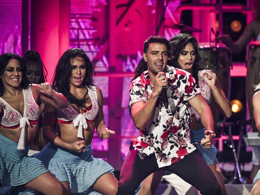 Jencarlos y DJ Cierran en Premios Tu Mundo 2017