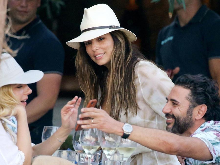 Eva Longoria con su esposo Pepe Bastón