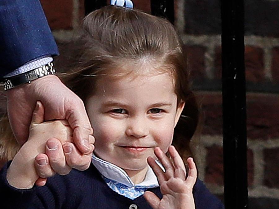 Segunda hija de los duques de Cambridge cuando fue a conocer a su nuevo hermanito al hospital