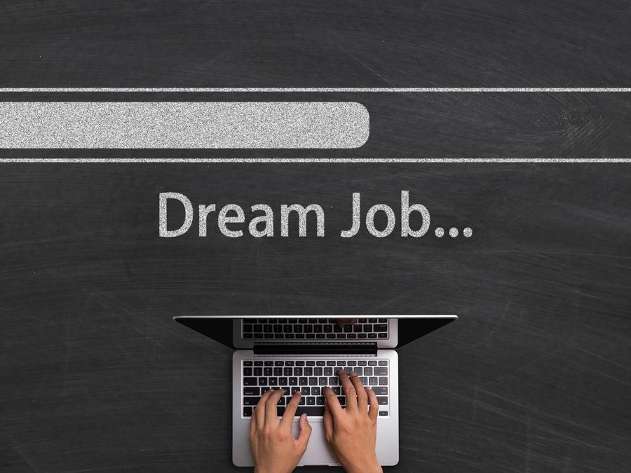 """Pantalla de computadora con aviso de """"Dream Job"""""""