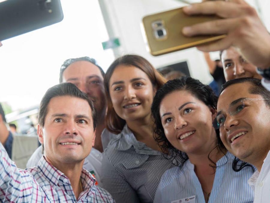 El ex Presidente Enrique Peña Nieto orientó como en ningún otro Gobierno la comunicación social hacia las redes sociales. Pero no pudo y terminó malgastando millones de pesos en agencias privadas
