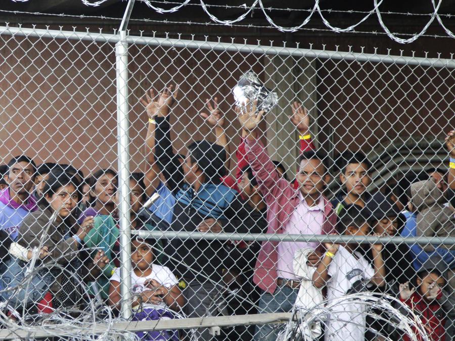 Asilo para inmigrantes en la frontera
