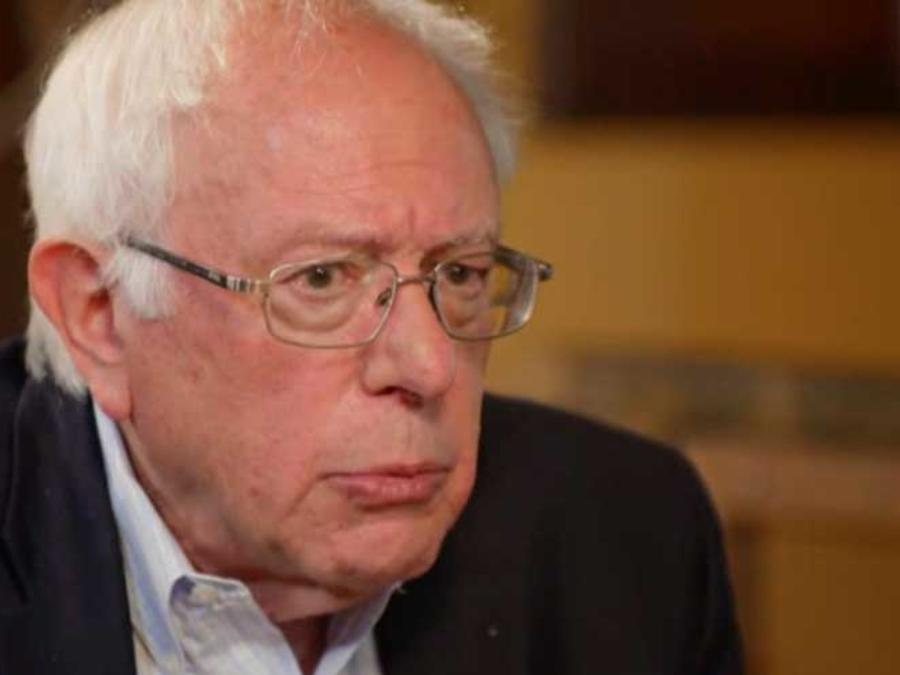 El precandidato demócrata a la presidencia Bernie Sanders en entrevista con Noticias Telemundo