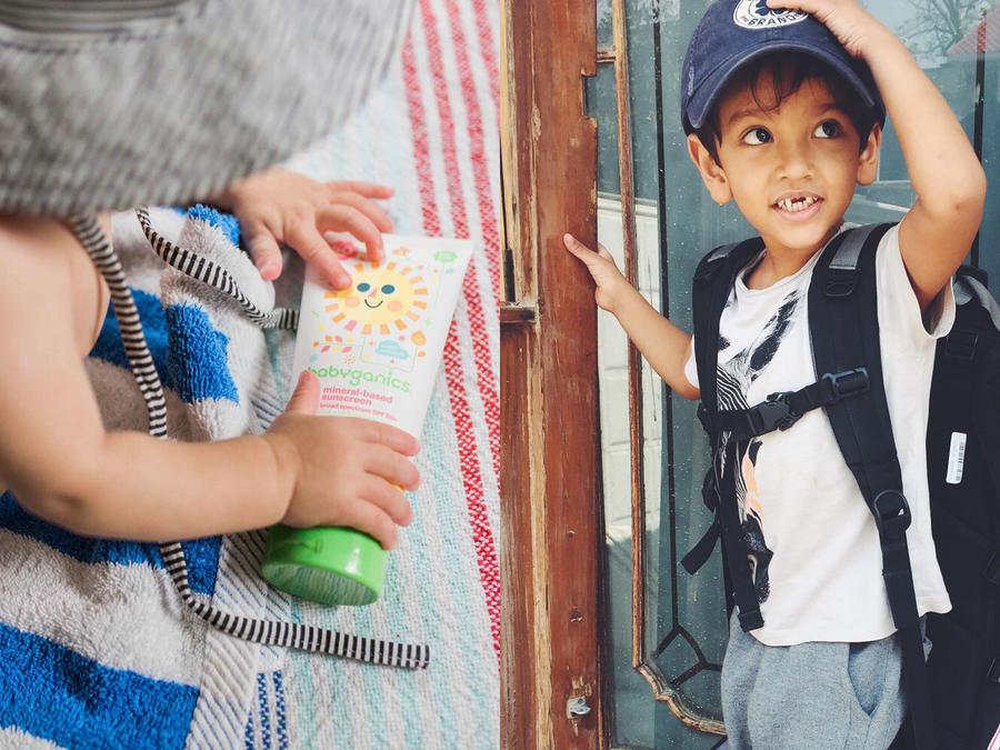 Collage de viajar con niños.