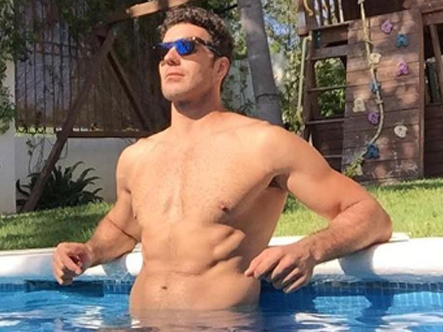 Marcus Ornellas en las piscina