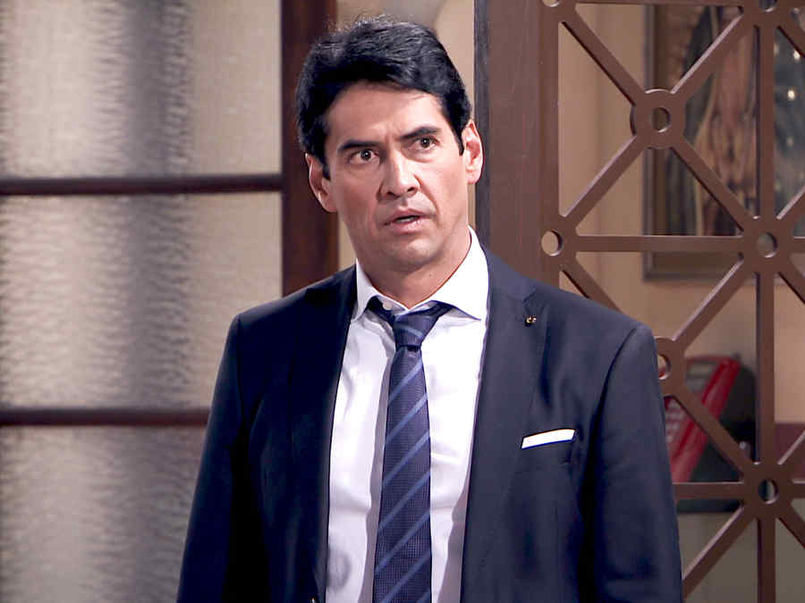 Gabriel Porras es Olegario Marrero con cara de sorprendido en Los Miserables