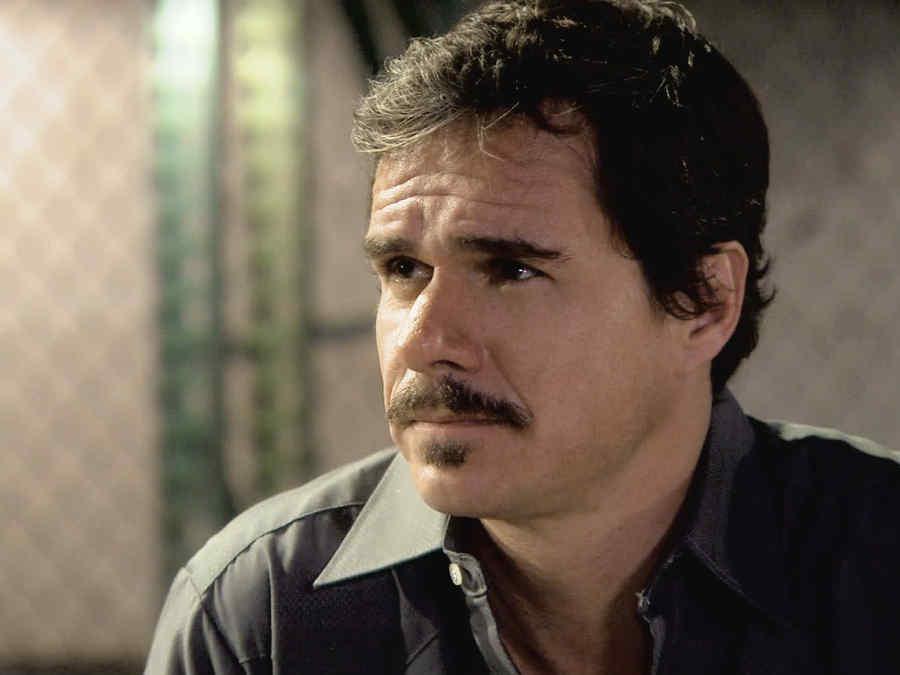 Tony Dalton, Renato Maldonado serio en Dueños del Paraíso