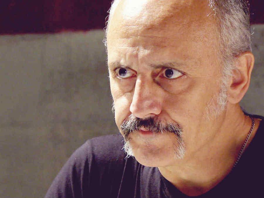 Alberto Jiménez, Salvador Ferrara, molesto, Dueños del Paraíso