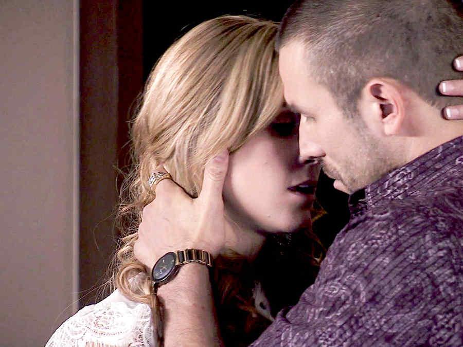 Rafael Amaya, Veronica Montes, besándose, El Señor de los Cielos Tercera Temporada