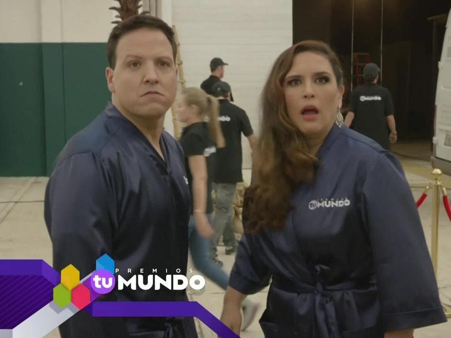 Raúl González y Angélica Vale en Premios Tu Mundo 2015