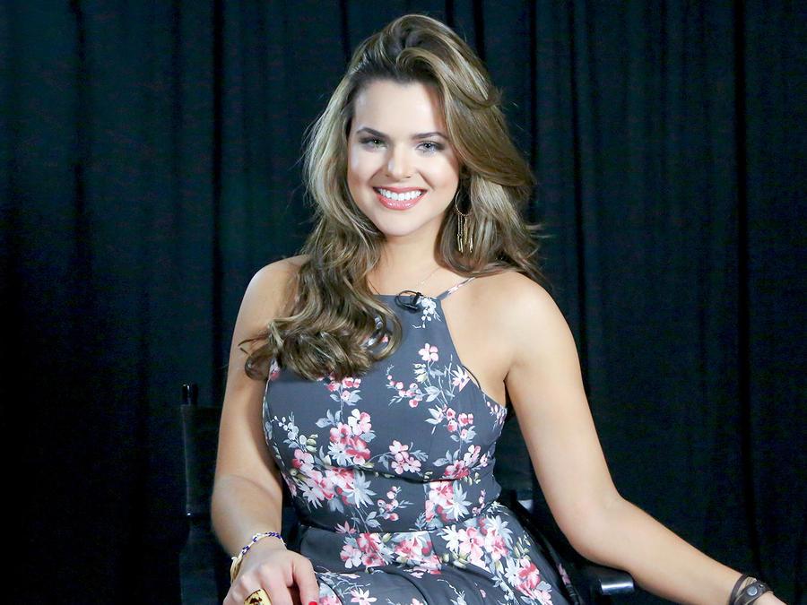 Isabella Castillo en ¿Quién es Quién?