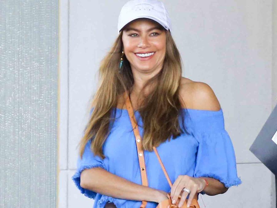 Sofía Vergara haciendo compras en Beverly Hills