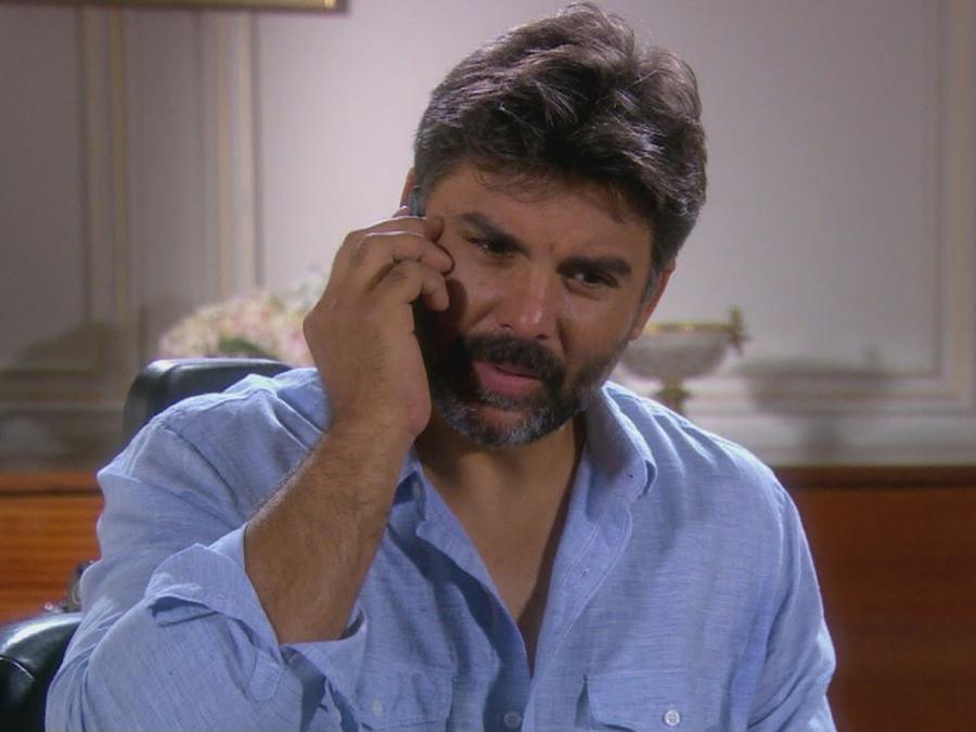 Jorge Luis Pila habla con Erika de la Rosa en Eva la Trailera