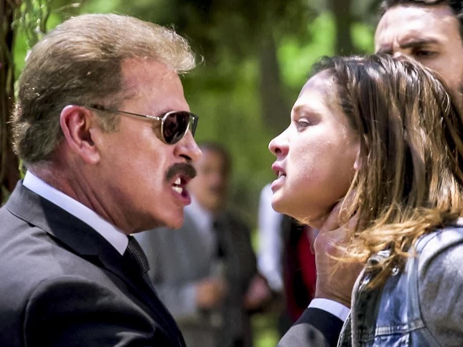 Sergio Goyri, Carolina Miranda, peleando, Señora Acero La Coyote