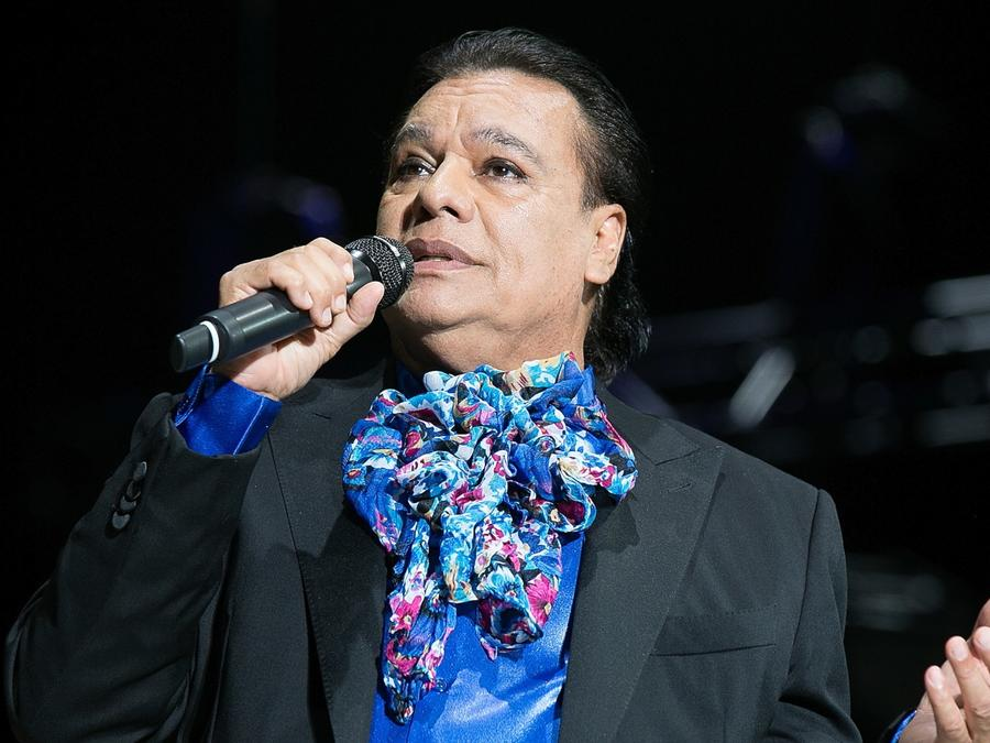 Juan Gabriel en concierto en Los Angeles