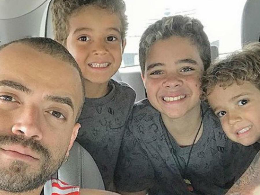 Nacho con sus hijos