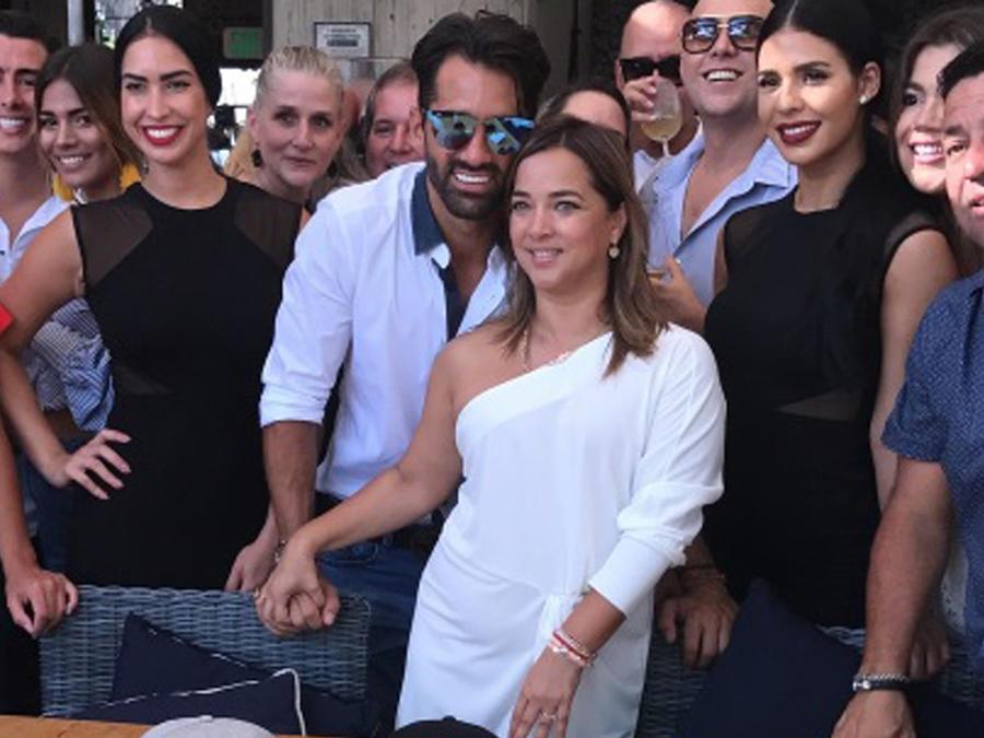 Toni Costa y Adamari López celebrando su cumpleaños