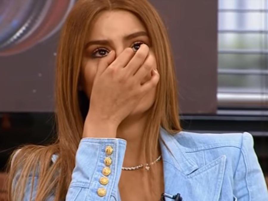 Ariadna Gutiérrez llorando