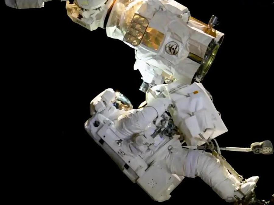 Mira la última caminata espacial afuera de ISS