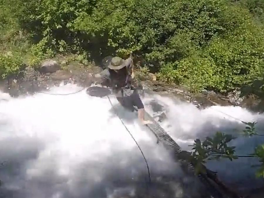 Esta aterradora caída casi le cuesta la vida
