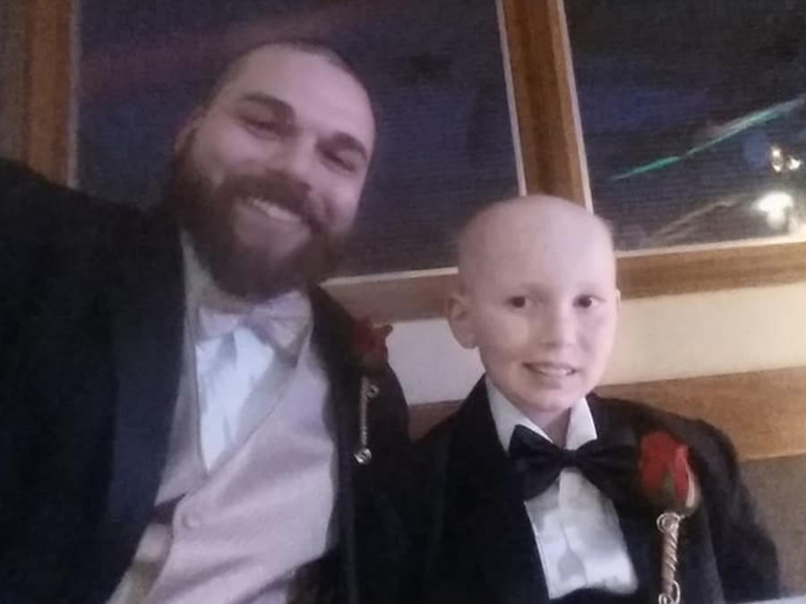 Josh J con su hijo Gabriel Marshall