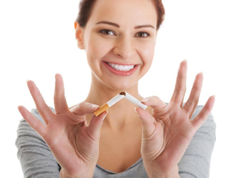¿Quieres dejar de fumar? Una paga en dinero, ayudaría