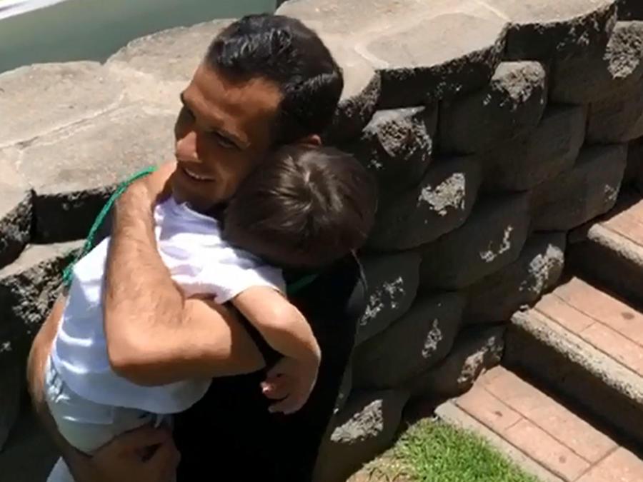 Rafael Márquez con su hijo