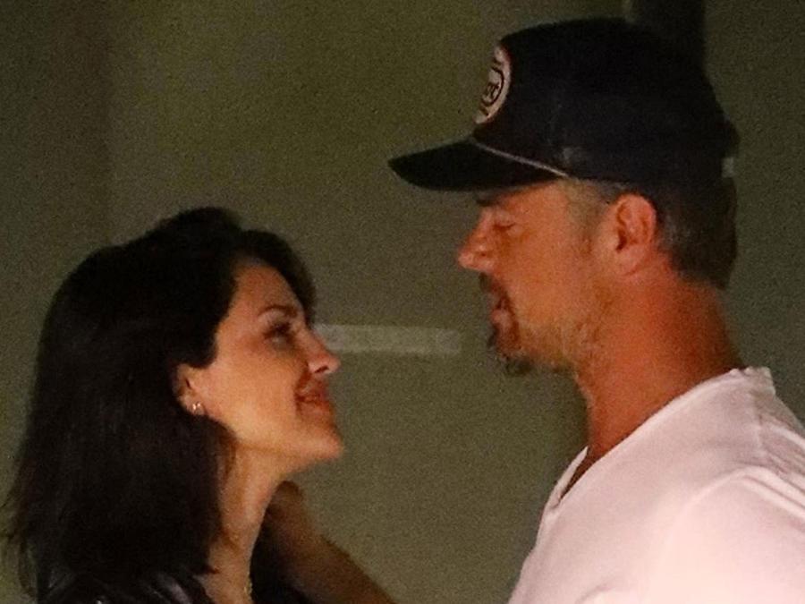 Eiza González con Josh Duhamel