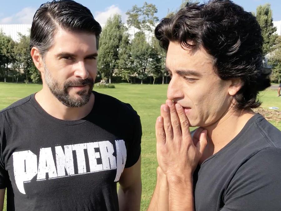 Juan Pablo Llano y Francisco Bolívar En Sin Senos Sí Hay Paraíso 3