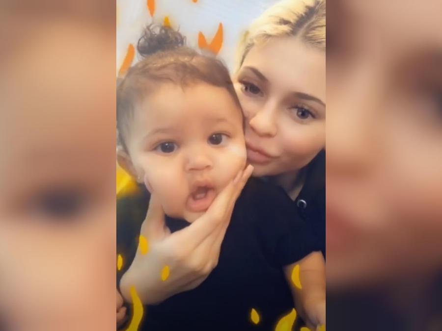Kylie Jenner con su bebé Stormi
