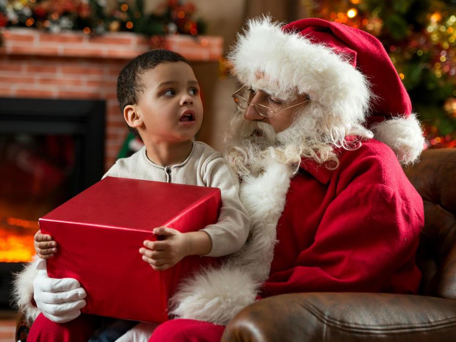 Niño con Santa