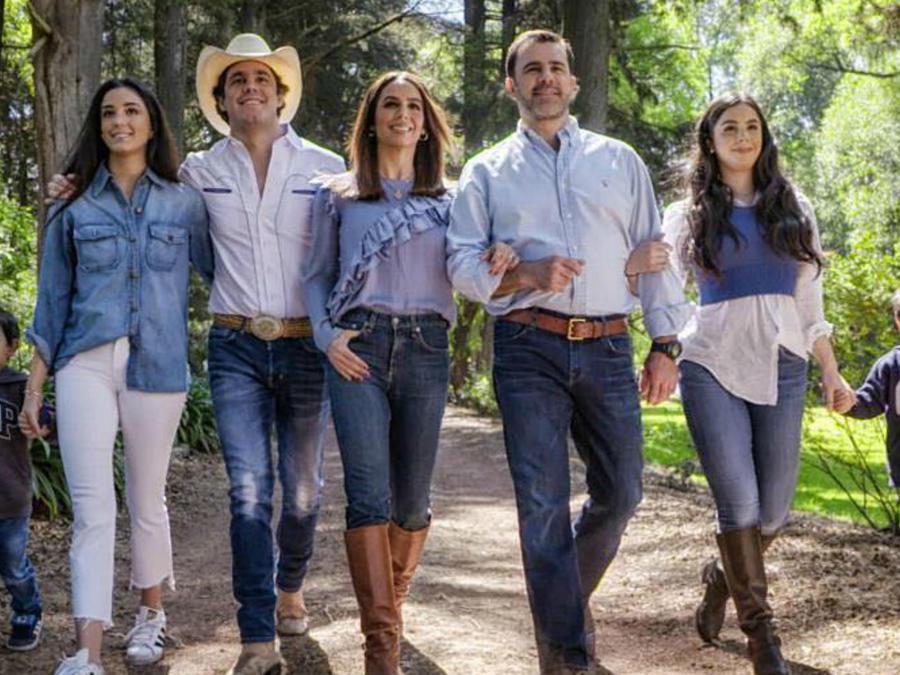 Familia de Biby Gaytán y Eduardo Capetillo