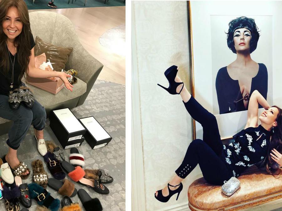 Thalía presumiendo de sus zapatos