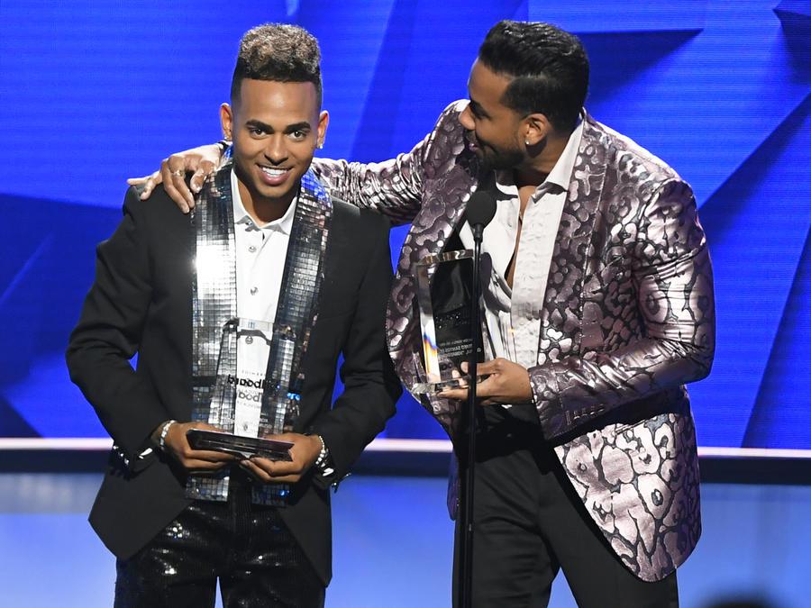 Romeo Santos y Ozuna en Premios Billboard 2019